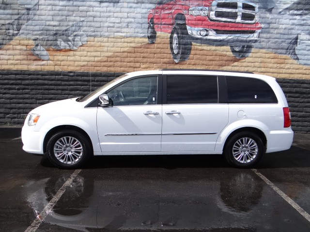used 2015 chrysler town and country touring l stock t3192x chapman las vegas. Black Bedroom Furniture Sets. Home Design Ideas