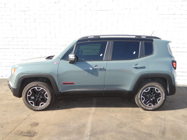 used 2015 jeep renegade trailhawk stock r6451b chapman automotive group. Black Bedroom Furniture Sets. Home Design Ideas