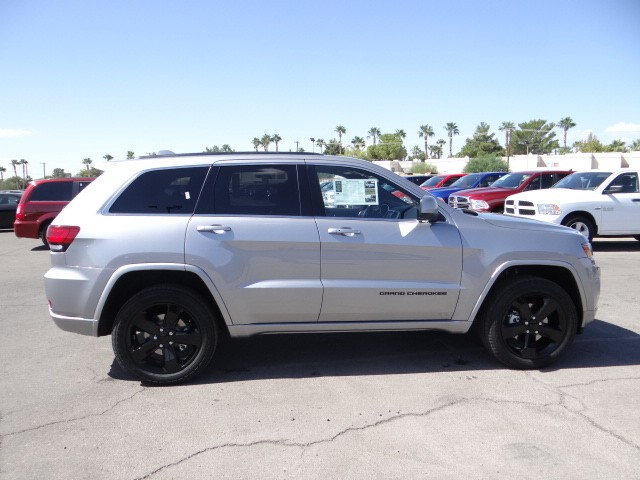 2015 jeep grand cherokee altitude for sale stock t3153 chapman chrysler jeep. Black Bedroom Furniture Sets. Home Design Ideas