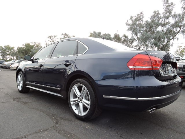 2015 Volkswagen Passat Se Sunroof And Navigation