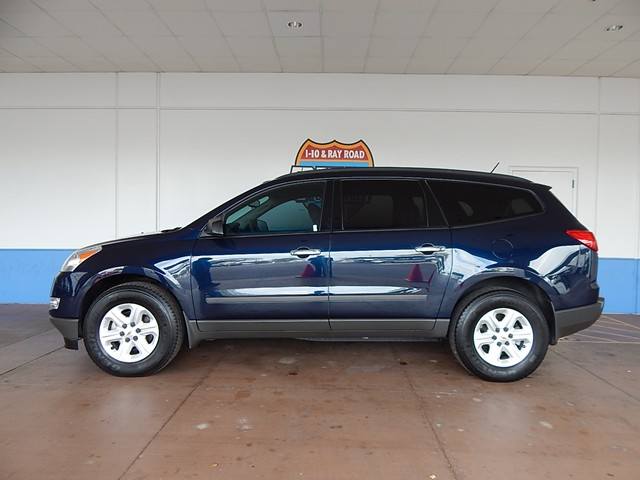 2011 Chevrolet Traverse LS – Stock #200409A
