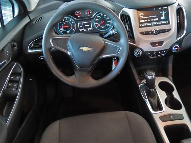 2017 Chevrolet Cruze LS – Stock #P4553