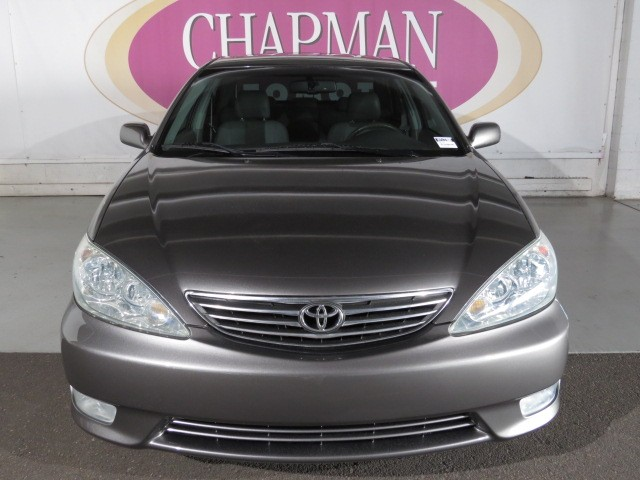 used 2006 toyota camry xle v6 for sale at porsche of tucson stock h1513200a. Black Bedroom Furniture Sets. Home Design Ideas