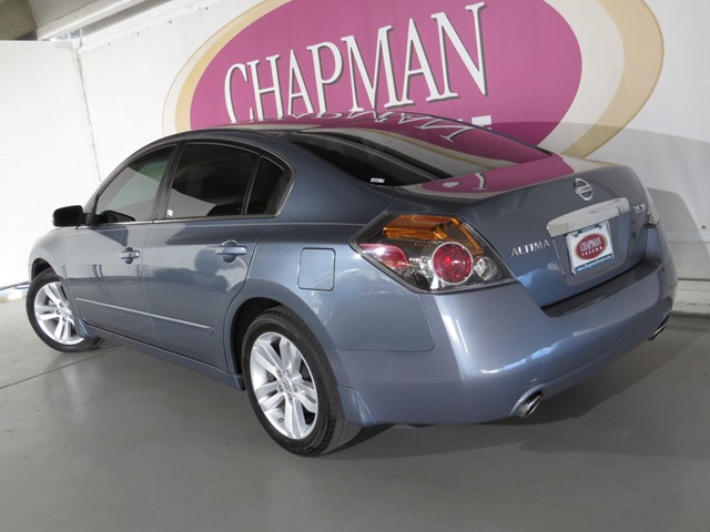 used 2011 nissan altima 3 5 sr stock h1603130b chapman automotive group. Black Bedroom Furniture Sets. Home Design Ideas