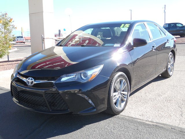 2015 Toyota Camry XLE 60705 miles Just Reduced Leather 3525 HighwayCity MPGAwards  2015 KBB