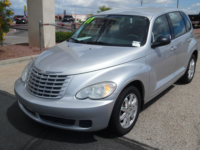 2007 Chrysler PT Cruiser 104525 miles 2-stage unlocking doors Anti-theft system engine immobili