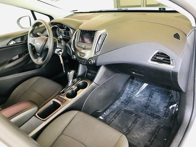 2019 Chevrolet Cruze LS – Stock #W2075230