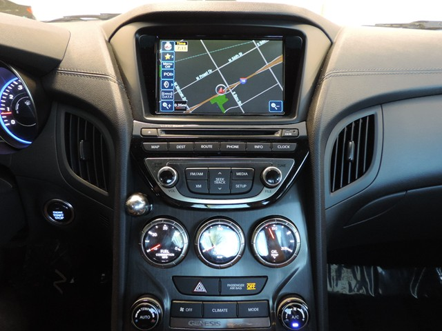 used 2013 hyundai genesis coupe 3 8 grand touring nav. Black Bedroom Furniture Sets. Home Design Ideas