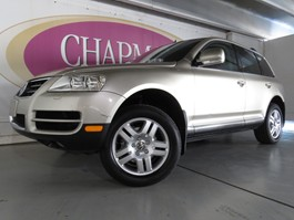 View the 2004 Volkswagen Touareg