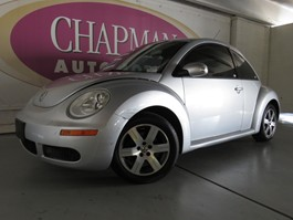 View the 2006 Volkswagen New Beetle