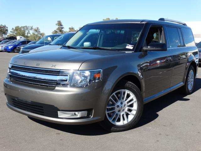 2013 Ford Flex 28086 miles VIN 2FMGK5C83DBD27550 For more information contact our internet sp