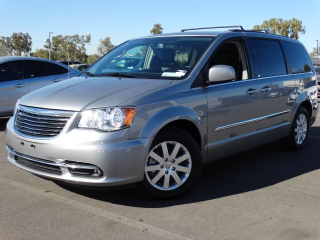 2014 Chrysler Town and Country 42841 miles VIN 2C4RC1BG4ER435406 For more information contact