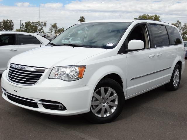 2014 Chrysler Town and Country 44142 miles VIN 2C4RC1BG8ER435537 For more information contact