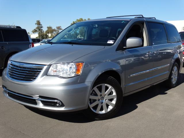 used 2014 chrysler town and country stock 61386. Black Bedroom Furniture Sets. Home Design Ideas