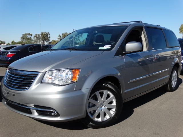 2014 Chrysler Town and Country 42343 miles VIN 2C4RC1BG1ER434004 For more information contact
