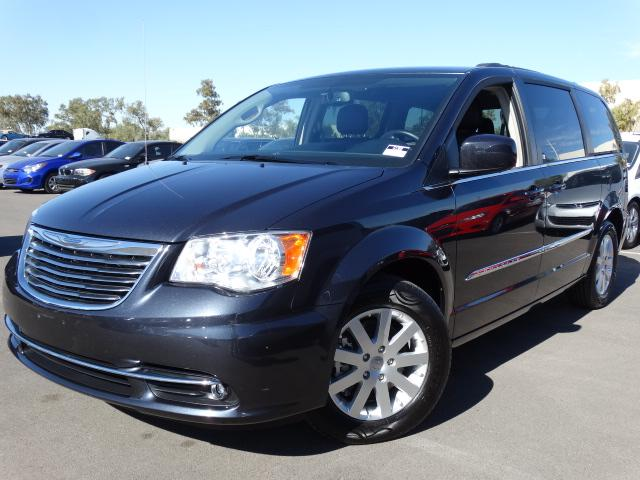 2014 Chrysler Town and Country 40040 miles VIN 2C4RC1BG6ER444897 For more information contact