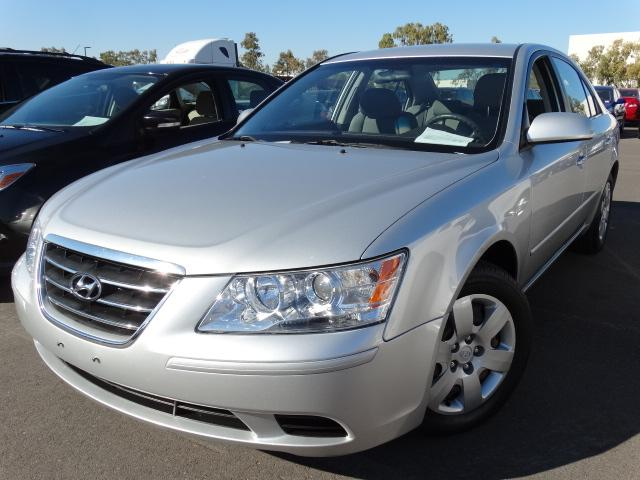 2009 Hyundai Sonata 93486 miles VIN 5NPET46C09H480434 For more information contact our intern