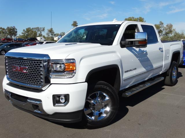 2015 GMC Sierra 2500HD 7422 miles VIN 1GT120E80FF505393 For more information contact our inte