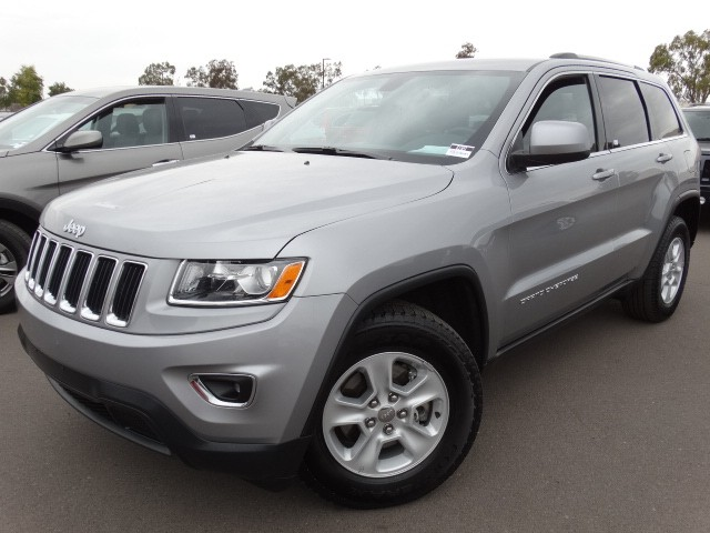 used 2015 jeep grand cherokee laredo for sale stock 61591 chapman bmw on camelback. Black Bedroom Furniture Sets. Home Design Ideas