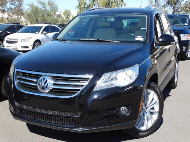 used 2011 volkswagen tiguan stock 62319 chapman. Black Bedroom Furniture Sets. Home Design Ideas