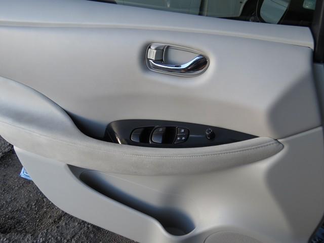 2011 Nissan LEAF SL – Stock #A1701190A