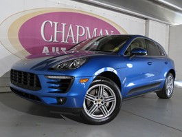 View the 2016 Porsche Macan