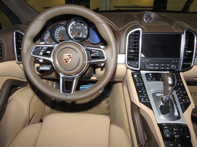 2017 Porsche Cayenne Turbo – Stock #P1700890