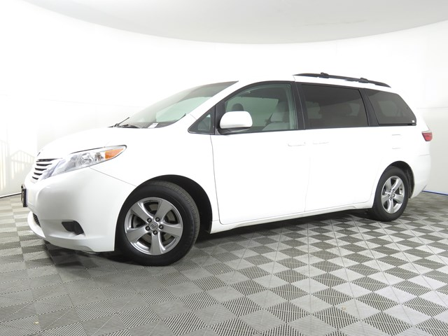 2015 Toyota Sienna LE