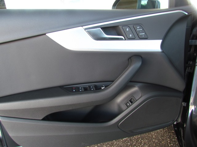2017 Audi A4 2.0T Premium – Stock #D1700630