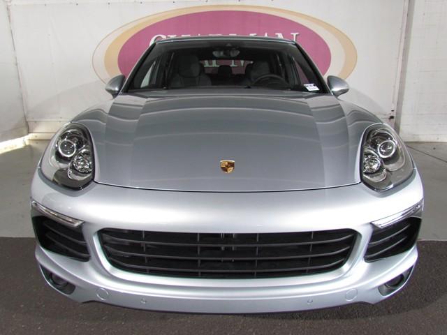 2016 Porsche Cayenne  – Stock #P1601780
