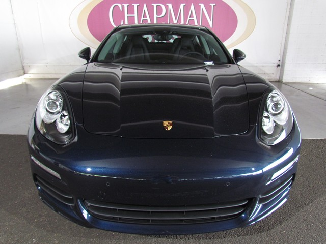 2016 Porsche Panamera Edition – Stock #P1601810