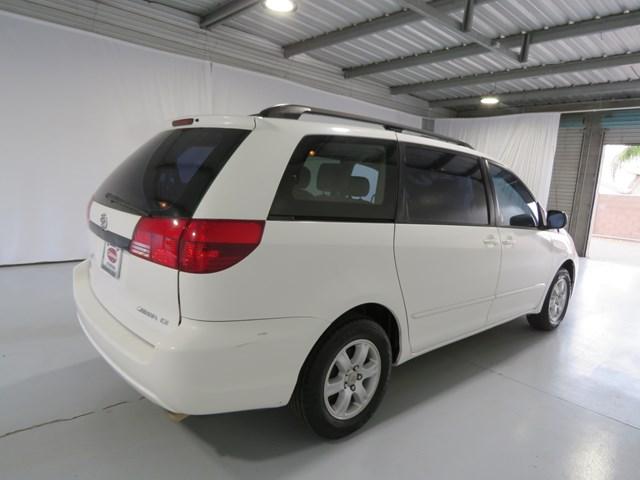 2004 Toyota Sienna LE 7 Passenger