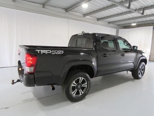 2016 Toyota Tacoma TRD Off-Road Crew Cab