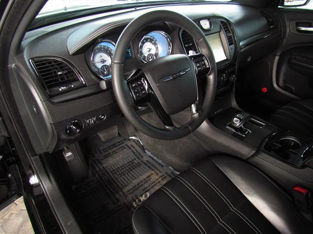 2014 Chrysler 300 S – Stock #M1702200B