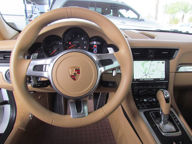 2016 Porsche 911 Carrera – Stock #M1702330B