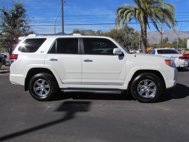 used 2013 toyota 4runner sr5 for sale stock m1704200a mercedes benz of tucson. Black Bedroom Furniture Sets. Home Design Ideas