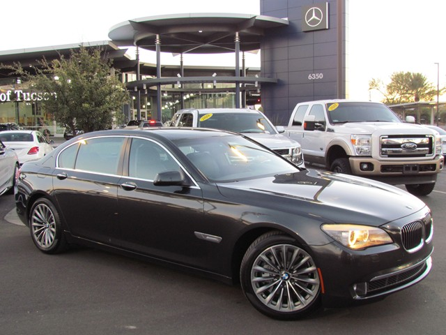 2012 BMW 7-Series 740Li Details