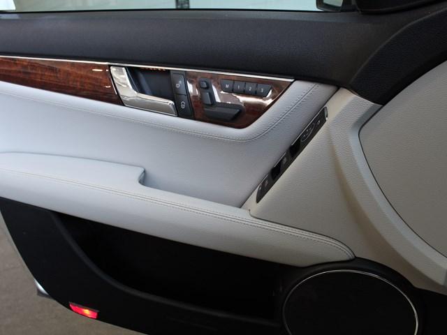 2009 Mercedes-Benz C-Class C 300 4MATIC
