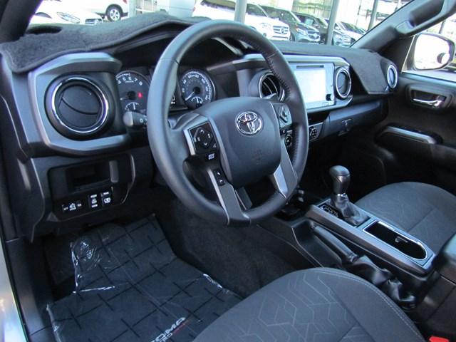 2017 Toyota Tacoma SR5 V6 Crew Cab