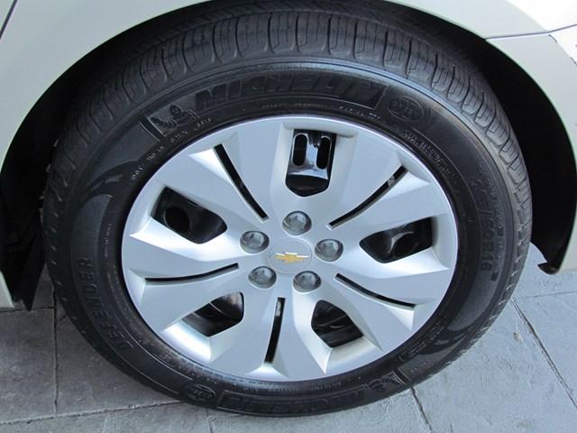 Used 2014 Chevrolet Cruze LS