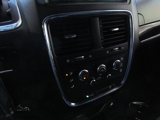 Used 2018 Dodge Grand Caravan SE