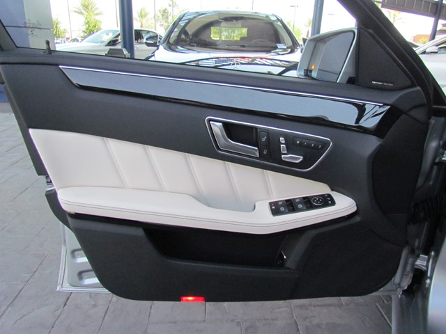 2016 Mercedes-Benz E-Class E 400 4MATIC Sedan – Stock #M1600380