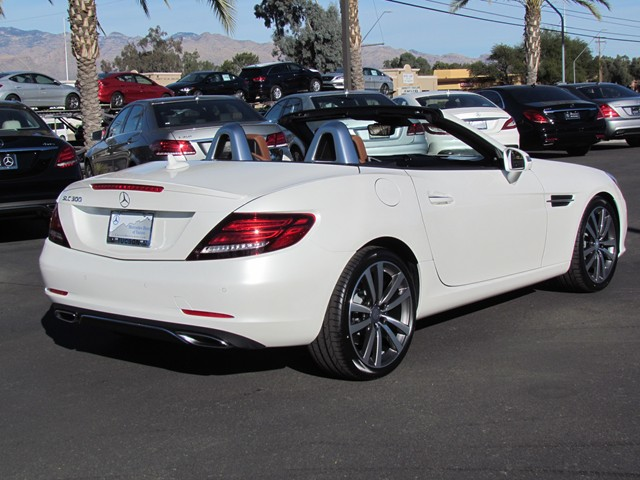 2017 Mercedes-Benz SLC SLC 300 Roadster – Stock #M1702860