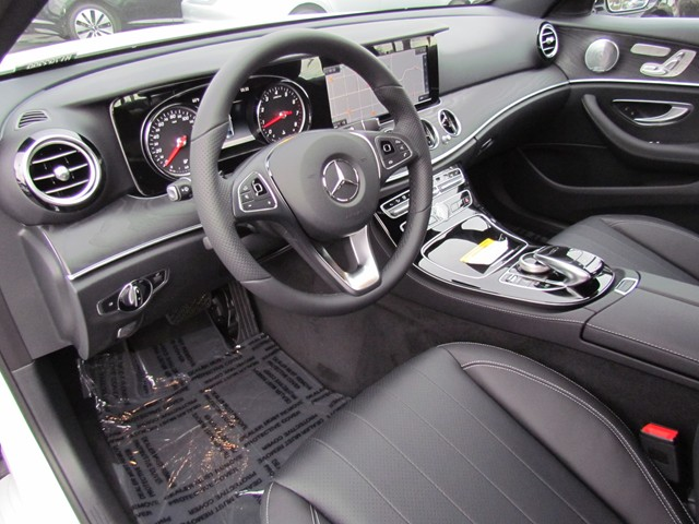 2017 Mercedes-Benz E-Class E 300 Sedan – Stock #M1703300