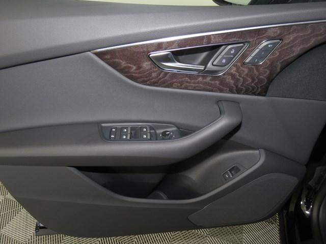 2020 Audi Q8 3.0T quattro Premium