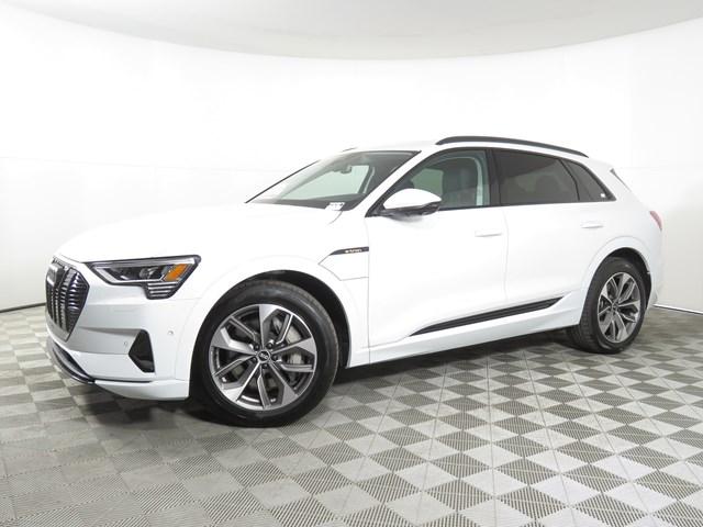 2021 Audi e-tron quattro Premium Plus