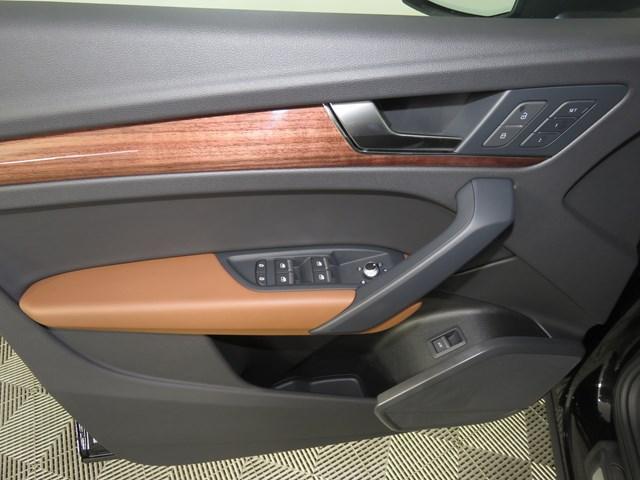 2022 Audi Q5 2.0T quattro Premium S line
