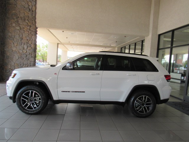 New 2020 Jeep Grand Cherokee Trailhawk