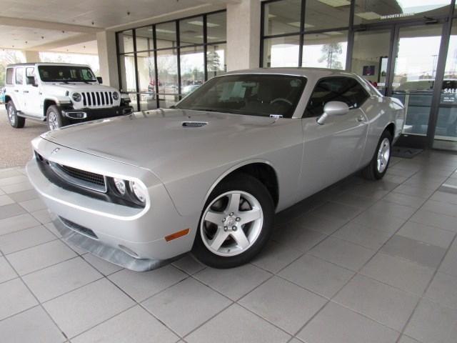 Used 2009 Dodge Challenger SE