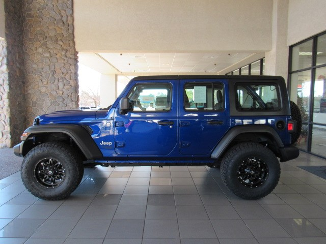 Used 2018 Jeep Wrangler Unlimited Sport Lifted 4WD